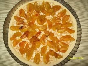 выложить фруктовую начинку