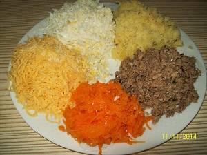 подготовка продуктов к шпротному салату