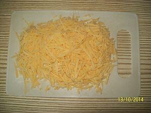 любой сыр на крупную тёрку