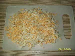 натереть яйца для салата астра