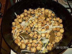 грибы с маринадом и специями