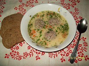 подача супа сфрикадельками