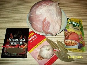 свинина и специи для буженины