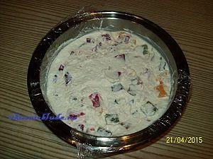 ставим желейный торт в холодильник