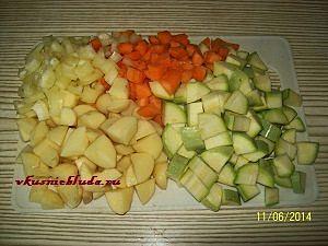 нарезка для овощного супа с фрикадельками