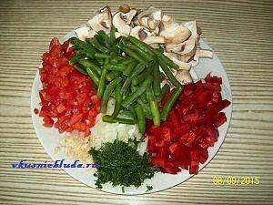 нарезка ингредиентов для блюда