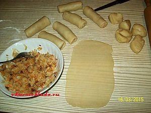 формируем пирожки с капустой