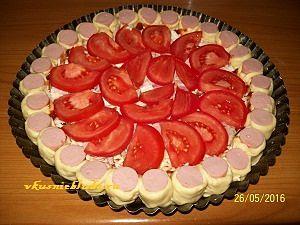 формируем пирог с сосисками