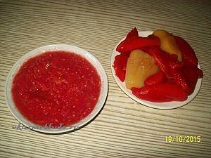 перец и томатное пюре