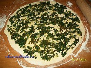 формируем пирожки с зеленью