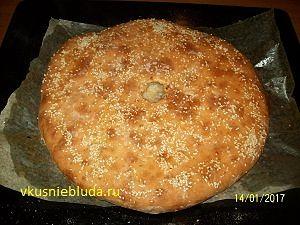 румяный пирог с мясом