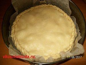 формируем клубничный пирог
