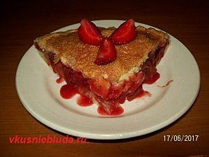 пирог клубника и ревень
