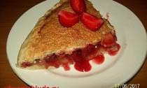 пирог со свежей клубникой и ревенем