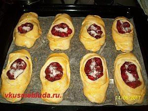 рецепт пирожков с клубникой