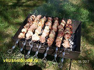 свиной шашлык на мангале