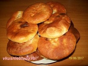 дрожжевые пирожки с мясом