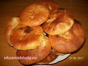 пирожки дрожжевые с мясом
