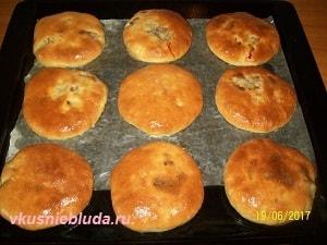 румяные пирожки с мясом