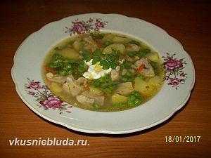 картофельный суп с зелёным горошком