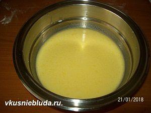 готовим тесто на молоке