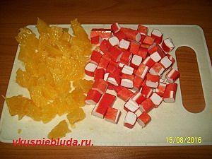 нарезка апельсина и палочек