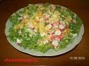 Вкусный салат с крабовыми палочками.