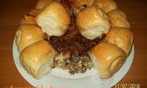 булочки с грибным соусом