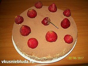 украшаем торт тирамису