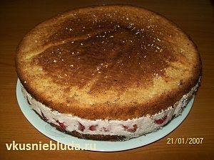 формируем клубничный торт