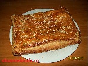 вкусный слоёный пирог с мясом