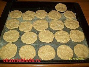 формируем печенье из хлопьев