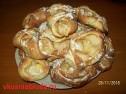 Духовые пирожки с яблоками.