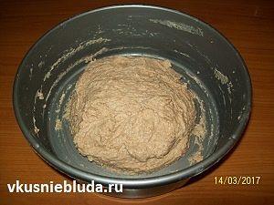 месим тесто для коврижки