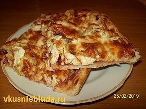 тонкая пицца на противне