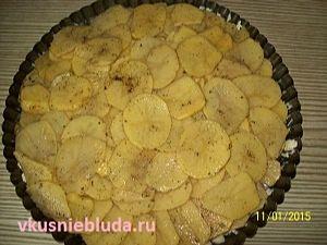 слой картофельных слайсов
