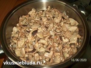 начинка жарим грибы