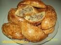 Вкусные духовые пирожки с мясом.