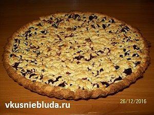 пирог песочный с вишнями